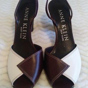 Anne Klein Ladies Size 61/2 Shoes